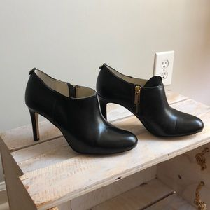 High heeled ankle bootie
